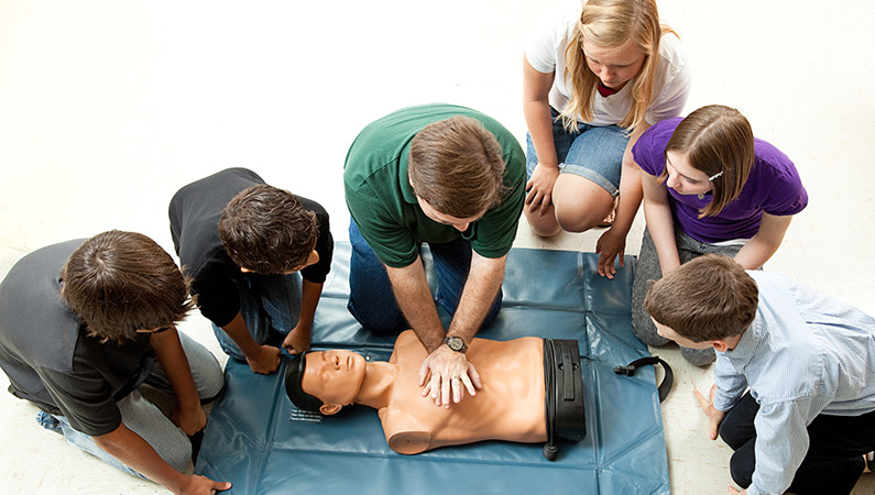 first-aid-trainings-for-schools-and-students